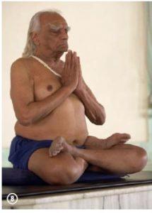 a-day-in-the-life-of-the-guru-yoga-iyengar-8