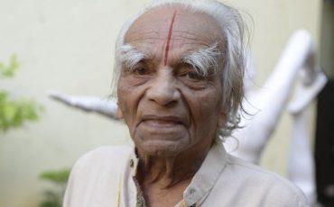 iyengars-family-yoga-iyengar